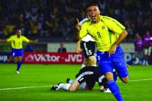 19150-ronaldo_brazil_1998_2002_2006