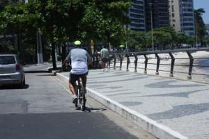 praia-de-icarac3ad-nao-tem-ciclofaixa-e-calc3a7adao-tem-prioridade-do-pedestre