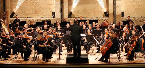 Orquestra Sinfônica Aprendiz no Teatro Municipal de Niterói