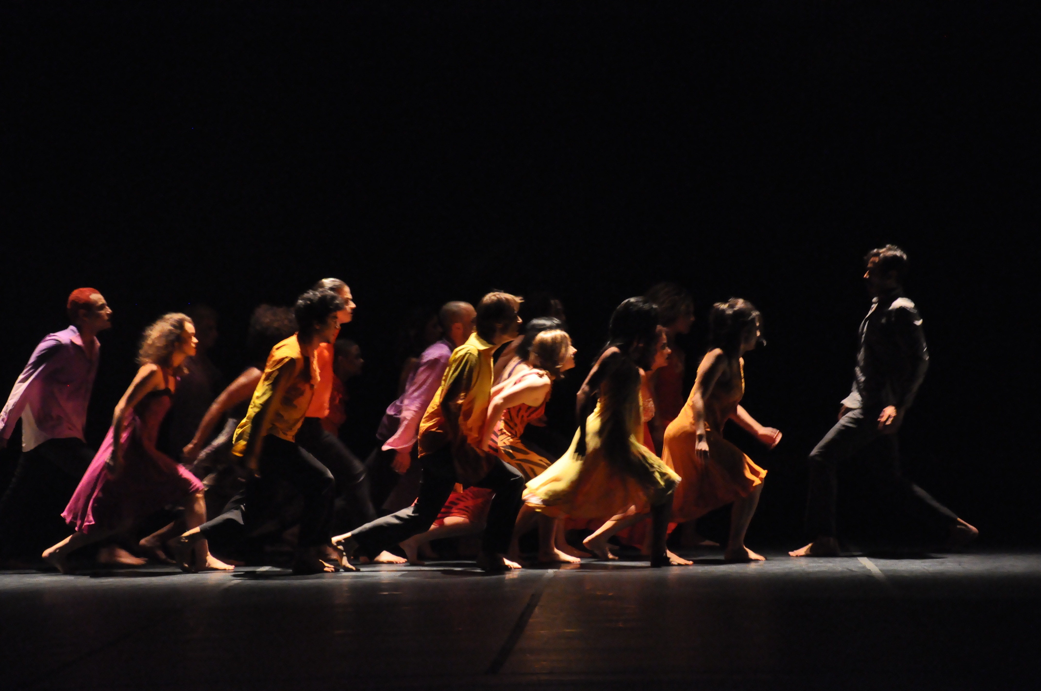 Espetáculo de teatro e dança faz temporada no Teatro Municipal de Niterói2