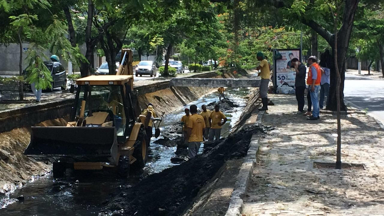 Seconser limpa Canal de São Francisco